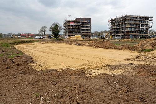 Plaats waar clubgebouw komt (op gedeelte oude beek).